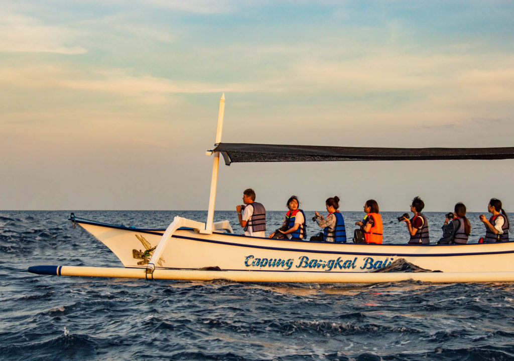 bali indonesia bovina catamarano tourists camera