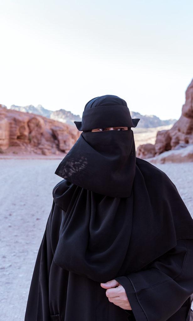woman with burqua petra