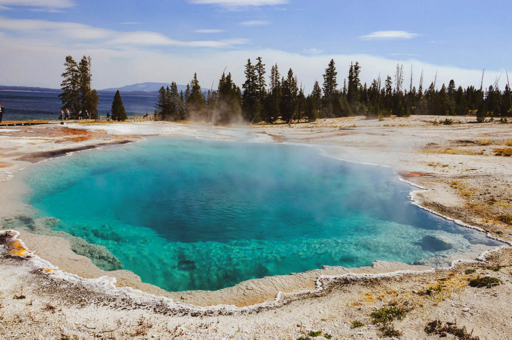 large view black pook yellowstone