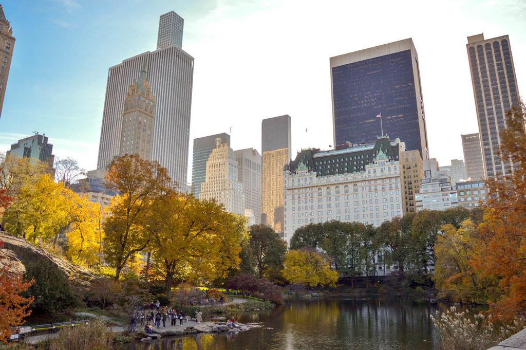 warm_autumn_central_park_ny_usa