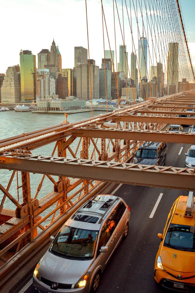 _traffic_brooklyn_bridge_ny_usa