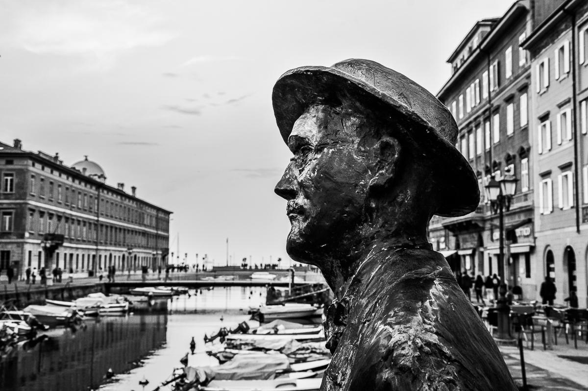 statua-bnw-trieste-marina-chirico-photography